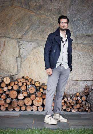 Как и с чем носить: темно-синее полупальто, серый кардиган, бело-черная футболка-поло в горизонтальную полоску, серые брюки чинос