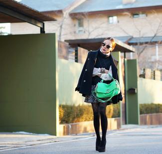 Как и с чем носить: темно-синее полупальто, темно-синяя кофта с коротким рукавом, белая блуза на пуговицах, темно-серая твидовая мини-юбка