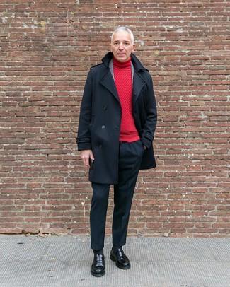 Как и с чем носить: черное полупальто, серый шерстяной пиджак в шотландскую клетку, красная водолазка, черные классические брюки