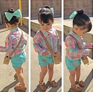 Зеленые шорты: с чем носить и как сочетать девочке: