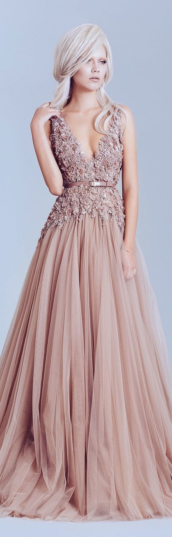Платье розовое из фатина