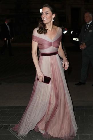 Как и с чем носить: розовое вечернее платье из фатина, серебряные кожаные туфли, темно-красный бархатный клатч, прозрачные серьги