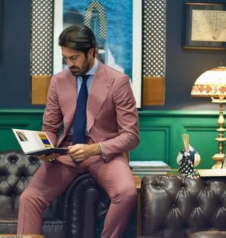Как и с чем носить: розовый костюм, голубая классическая рубашка, темно-синий галстук