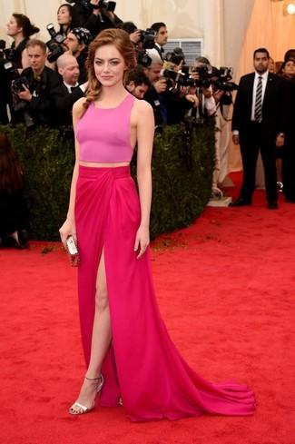 розовый укороченный топ ярко розовые длинная юбка серебряные босоножки на каблуке золотой клатч large 2269