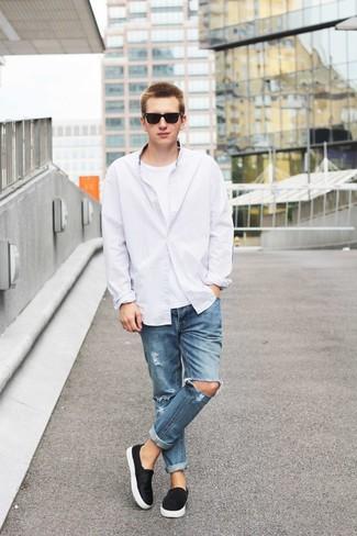 Белая мужская футболка с чем носить