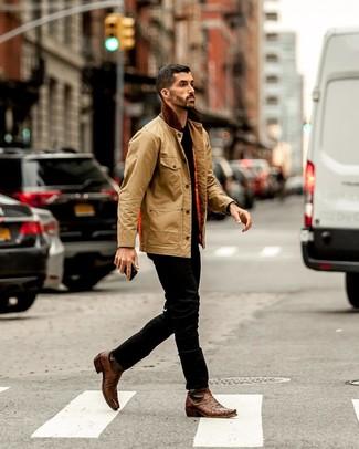 Как и с чем носить: светло-коричневая куртка с воротником и на пуговицах, черная футболка с круглым вырезом, черные джинсы, коричневые кожаные ковбойские сапоги