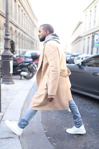 светло коричневое длинное пальто серый худи голубые зауженные джинсы large 3909