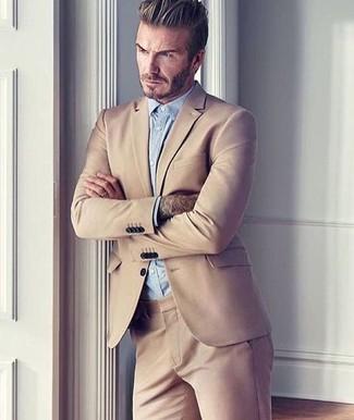 Как David Beckham носит Светло-коричневый костюм, Голубая классическая рубашка