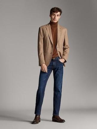 Коричневая водолазка: с чем носить и как сочетать мужчине: В сочетании друг с другом коричневая водолазка и темно-синие джинсы смотрятся очень выгодно. Не прочь сделать ансамбль немного строже? Тогда в качестве обуви к этому луку, выбирай темно-коричневые кожаные ботинки челси.