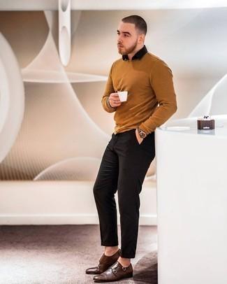 С чем носить черную рубашку с коротким рукавом мужчине: Подобный лук из черной рубашки с коротким рукавом и черных брюк чинос легко воссоздать, а результат превзойдет все твои ожидания. В паре с темно-коричневыми кожаными монками с двумя ремешками такой образ смотрится особенно гармонично.