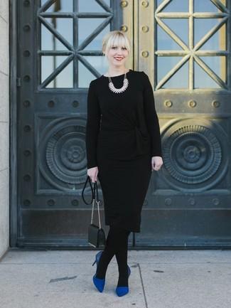 С чем носить черные колготки: Черный свитер с круглым вырезом и черные колготки — выбор дам, которые постоянно в движении. Говоря об, можно закончить лук синими замшевыми туфлями.