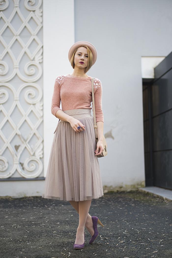 С чем носить розовую шифоновую юбку