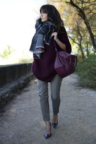 с чем носить светло фиолетовый вязаный свободный свитер модные луки