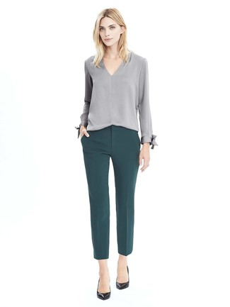 21a5316e184 ... Модный лук  серая блузка с длинным рукавом