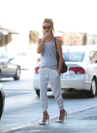 серая майка белые спортивные штаны белые туфли черная большая сумка large 1502