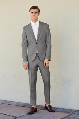 Светло серый костюм какие туфли фото