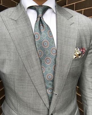 Как и с чем носить: серый пиджак, белая классическая рубашка, мятный шелковый галстук с принтом, бежевый нагрудный платок с принтом