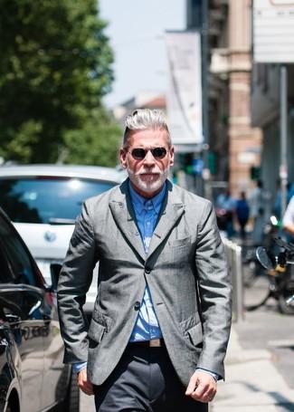 Как Nick Wooster носит Серый пиджак, Голубая рубашка с длинным рукавом, Темно-серые классические брюки
