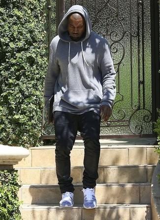 Как Kanye West носит Серый худи, Черные джинсы, Серые кроссовки