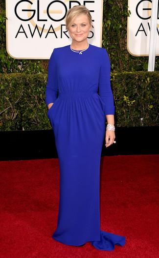 синее вечернее платье белый браслет с цветочным принтом белое кольцо large 7574