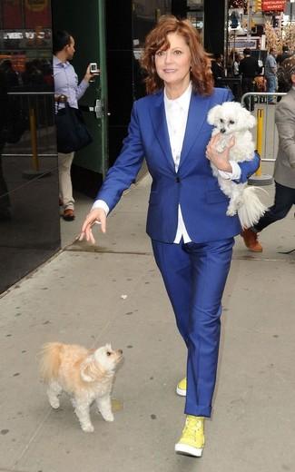 синий пиджак белая классическая рубашка синие классические брюки желтые высокие кроссовки large 13342