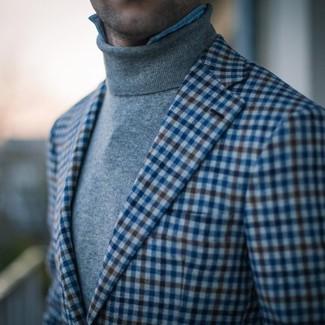 Как и с чем носить: синий пиджак в мелкую клетку, серая водолазка, голубая джинсовая рубашка