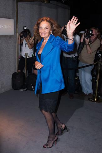 синий пиджак черное платье футляр черные босоножки на каблуке large 22647