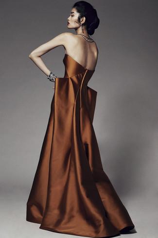 Модный лук: Табачное вечернее платье, Черный браслет, Прозрачные серьги