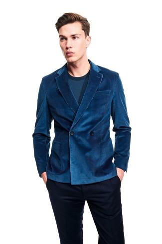 Как и с чем носить: темно-бирюзовый вельветовый двубортный пиджак, темно-бирюзовая футболка с длинным рукавом, темно-синие классические брюки