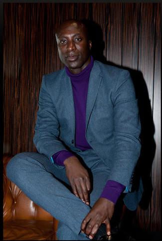 Как Dermot O'Leary носит Темно-бирюзовый шерстяной костюм, Фиолетовая водолазка