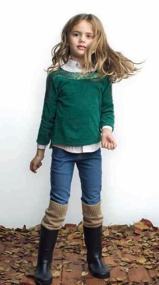 Как и с чем носить: темно-зеленый свитер, белая классическая рубашка, синие джинсы, черные резиновые сапоги