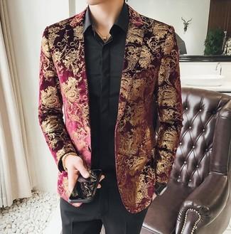 Как и с чем носить: темно-красный пиджак из парчи, черная классическая рубашка, черные классические брюки