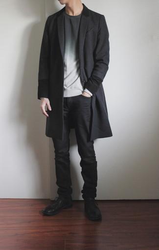 Мужские луки: Темно-серое длинное пальто — чудесный пример строгого мужского стиля в одежде.