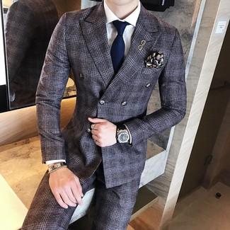 Как и с чем носить: темно-серый шерстяной костюм в шотландскую клетку, белая классическая рубашка, темно-синий галстук, черный нагрудный платок с принтом