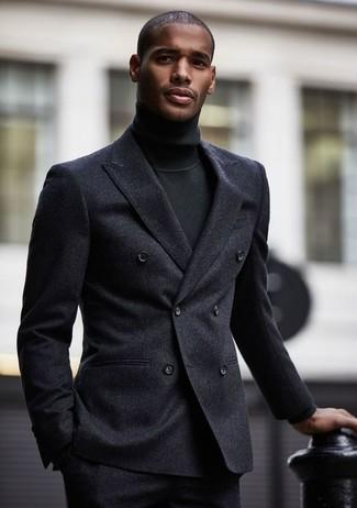 Как и с чем носить: темно-серый шерстяной двубортный пиджак, черная водолазка, темно-серые шерстяные классические брюки