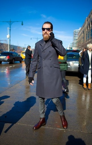 Темно-синее длинное пальто от Yohji Yamamoto