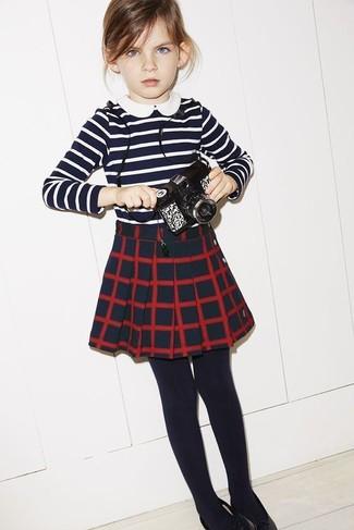 Модный лук  Темно-сине-белая футболка в горизонтальную полоску ... dbf18a015a0
