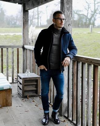 Как и с чем носить: темно-синий шерстяной бомбер, темно-серая водолазка, синие зауженные джинсы, черные кожаные ботинки челси
