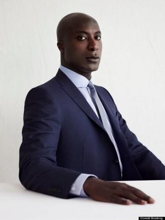 Как Dermot O'Leary носит Темно-синий костюм, Белая классическая рубашка, Голубой галстук