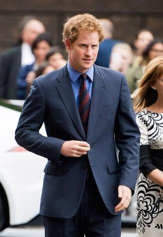 темно синий костюм синяя классическая рубашка красно темно синий галстук в вертикальную полоску large 22091