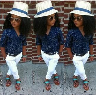 Как и с чем носить: темно-синяя классическая рубашка, белые брюки, мятные босоножки, белая шляпа