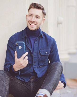 Как и с чем носить: темно-синяя куртка-рубашка, темно-синяя водолазка, темно-синие джинсы