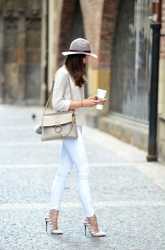 Женская бежевая футболка с длинным рукавом