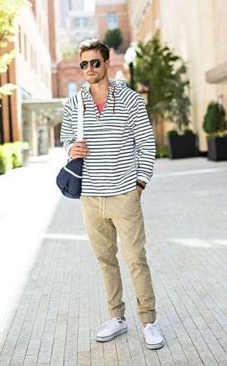 Бежевые брюки чинос от United Colors of Benetton