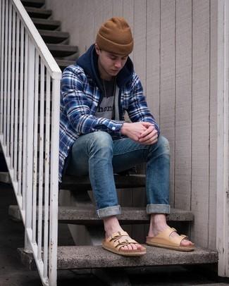 С чем носить коричневую шапку мужчине: Если ты запланировал сумасшедший день, сочетание темно-синего худи и коричневой шапки поможет составить удобный ансамбль в непринужденном стиле. Чтобы образ не получился слишком вычурным, можешь дополнить его светло-коричневыми кожаными сандалиями.