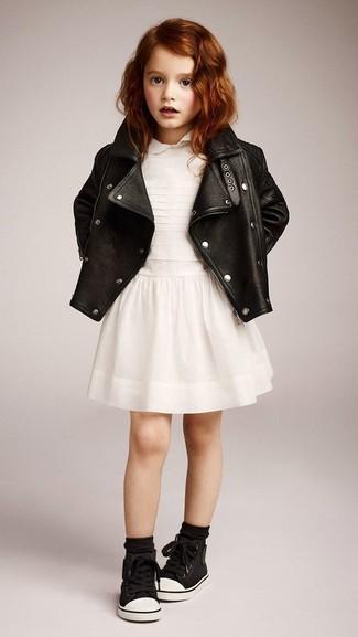 Как и с чем носить: черная кожаная куртка, белое платье, черные кеды