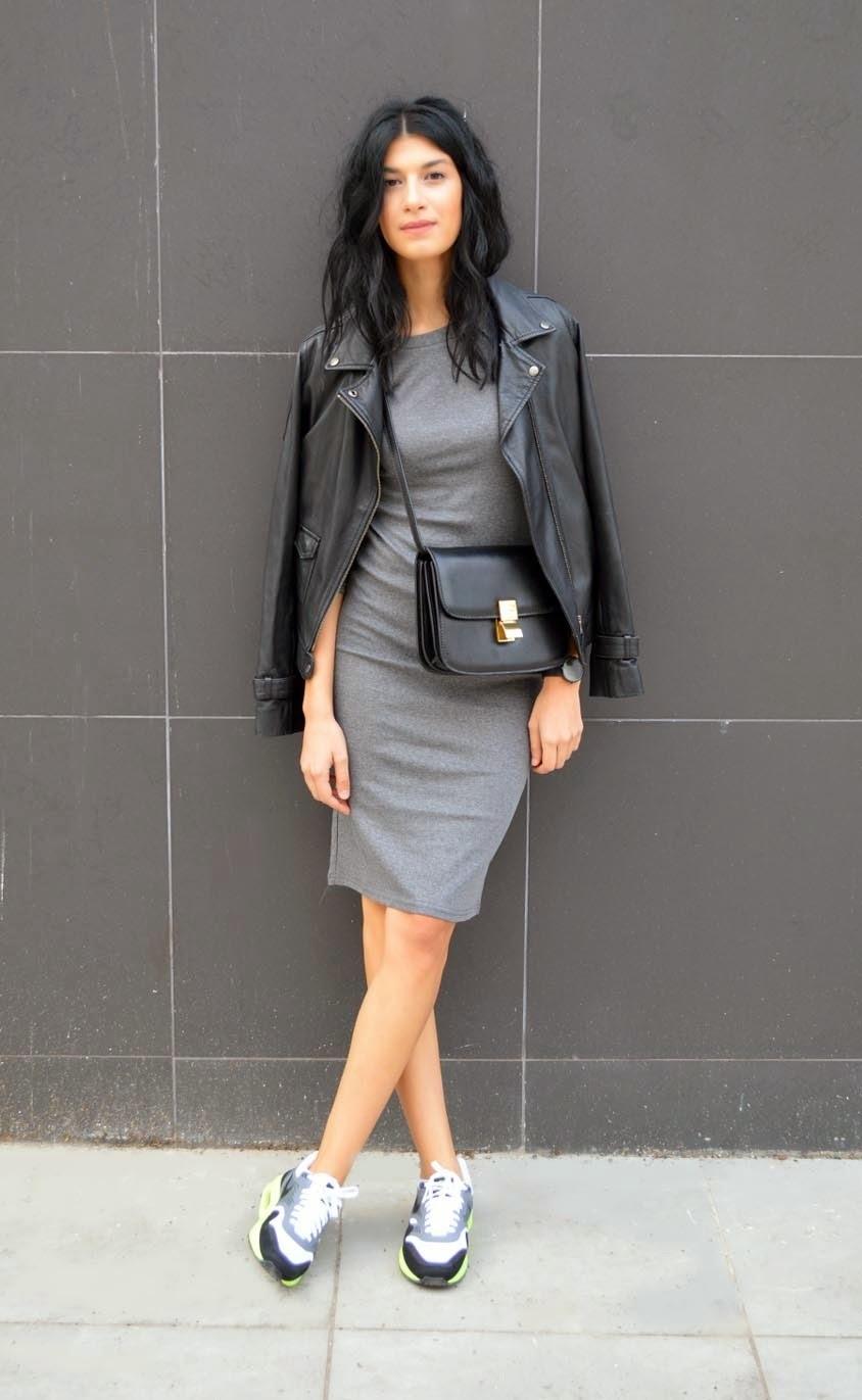 Черно белое платье посерело