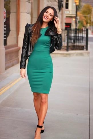фото в зеленом коротком платье под юбкой