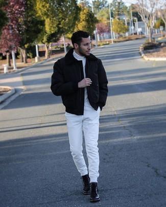 Мужские луки: Поклонникам непринужденного стиля придется по душе сочетание черной куртки харрингтон и белых спортивных штанов. И почему бы не добавить в этот ансамбль на каждый день чуточку эффектности с помощью черных кожаных повседневных ботинок?