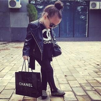 Как и с чем носить: черная кожаная куртка, черная футболка, черные леггинсы, черные балетки